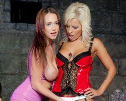 Scarlett March en Ashley Paige, geile lesbische seks