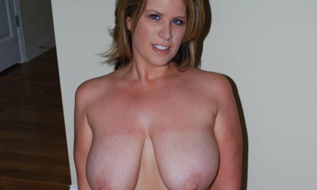 Lisa Sparxxx, blonde geile slet met grote tieten