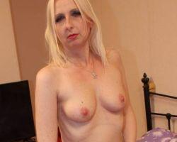 Tracey Lain, blonde amateur vrouw wordt in haar kontje geneukt