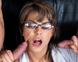 Retro seks, Francesca Gallardo krijgt een mooie facial