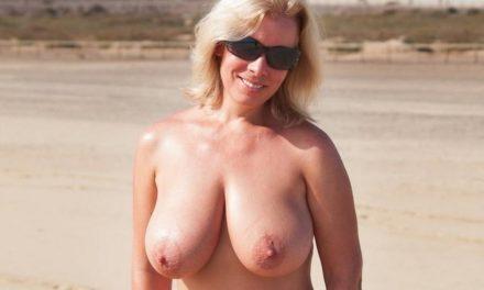 Lekkere en blote oudere vrouwen met grote borsten zijn geil