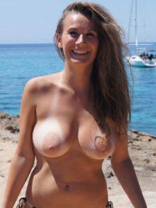 Mooi lang haar en mooie grote borsten